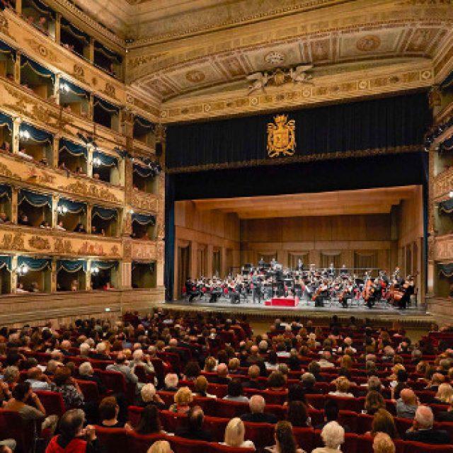 May 1 / October 30 ITALIAN OPERA every Monday, Wednesday, Friday and Saturday H. 21.15